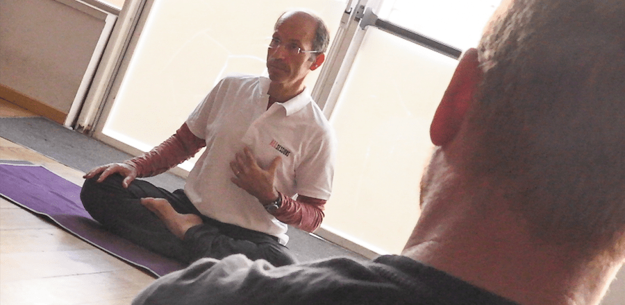 Mesures de confinement: les conseils d'un professeur de Yoga pour mieux gérer son stress et stimuler son système immunitaire